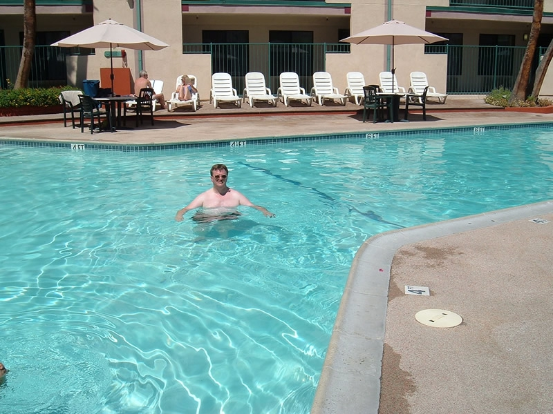 Palm Springs California - Terry in Comfort Inn Swimming Pool