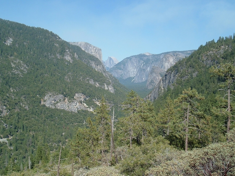A view heading towards Yosemite Valley