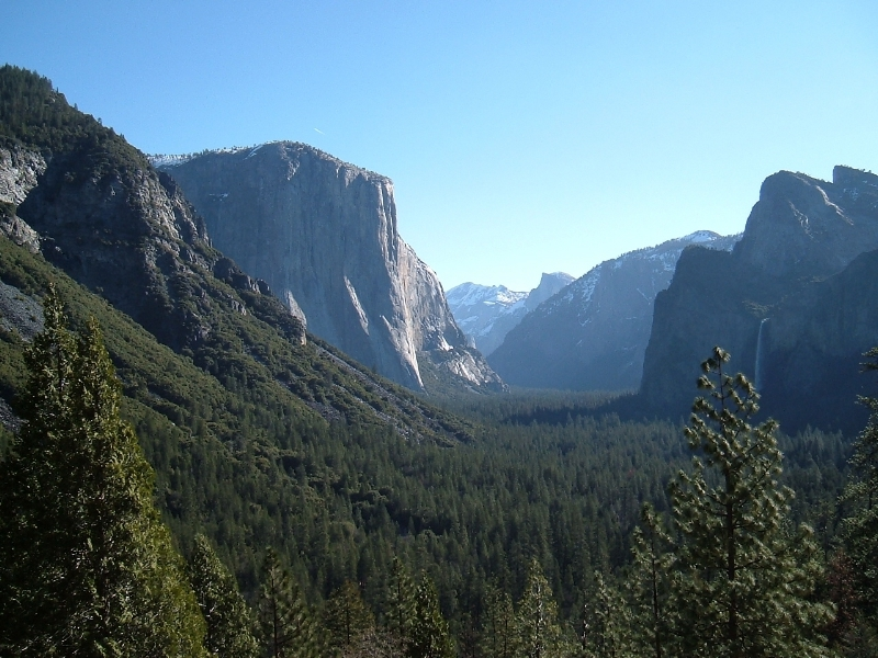 A spectacular view of Yosemite Valley
